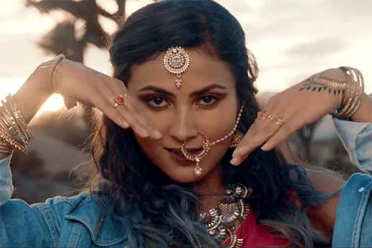 Music Friday: YouTube Sensation Vidya Vox Is All About Diamonds and Gold