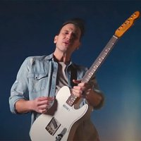 Music Friday: Country Star Russell Dickerson Compares His Love to a 'Band of Solid Gold'